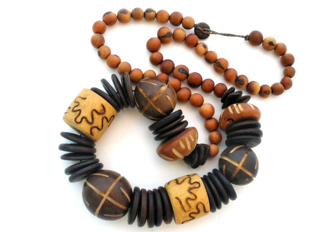Chunky Wood Bead Necklace Hand Carved Vintage The