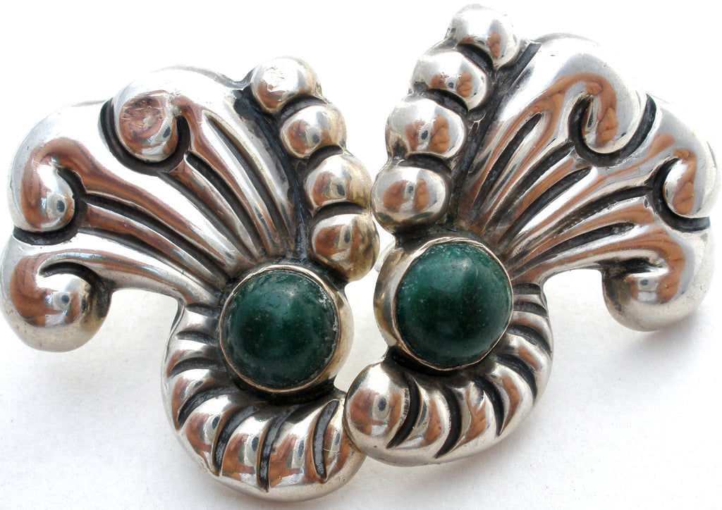 Early Mexican Screwback Green Onyx Earrings - The Jewelry Lady's Store