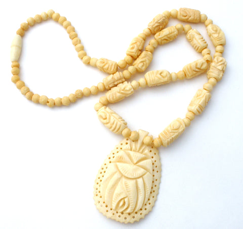 Hand Carved Bone Bead Flower Necklace Vintage