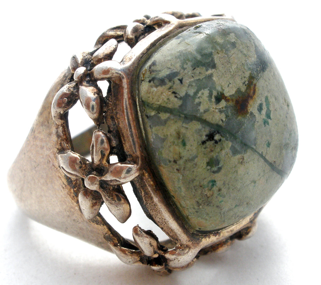 Sterling Silver Ring with Green Gemstone Vintage - The Jewelry Lady's Store