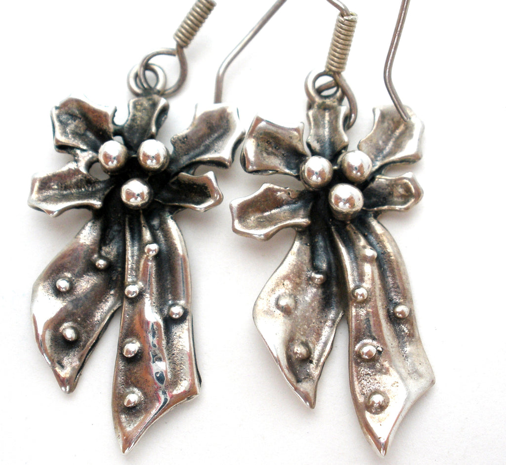 Vintage Holly & Bow Earrings Mexican Sterling Silver - The Jewelry Lady's Store