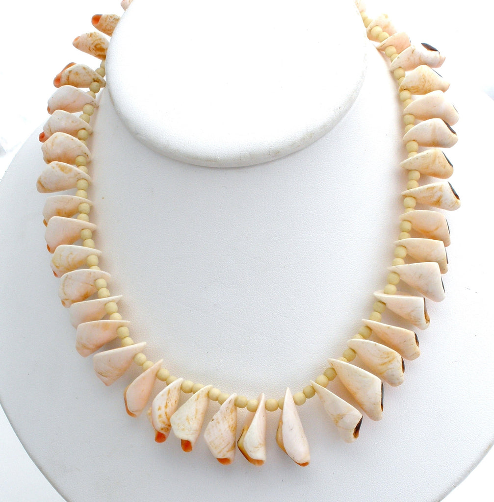 "Vintage SeaShell Necklace 16"" Hand Made - The Jewelry Lady's Store"