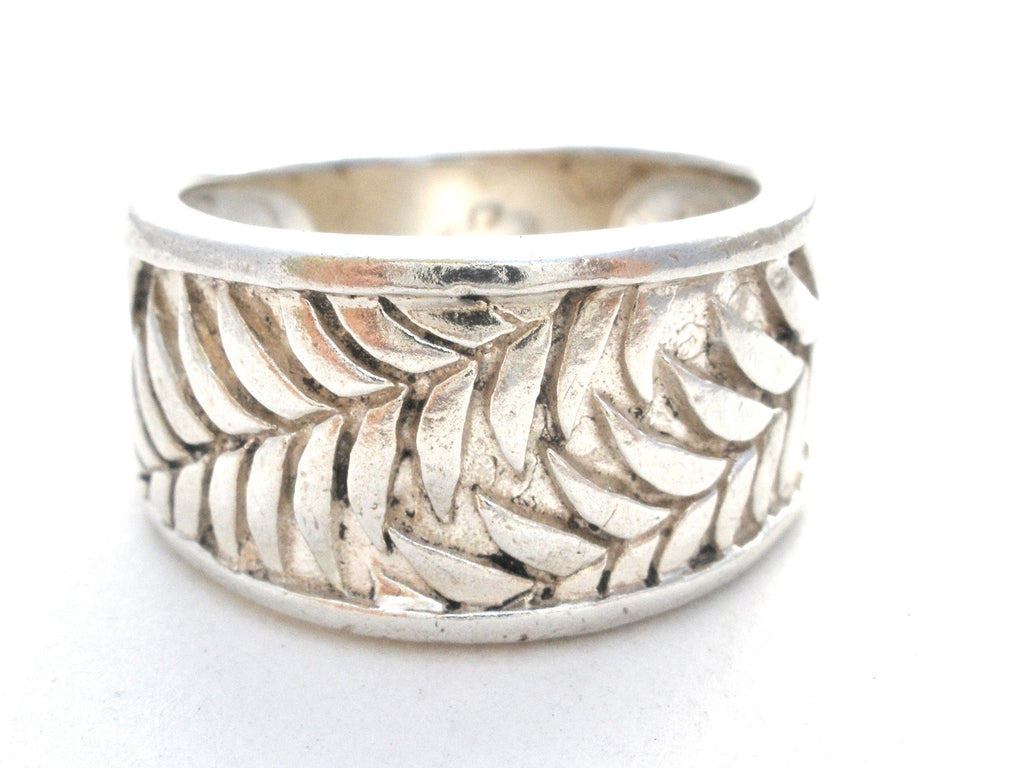 Wide Sterling Silver Leaf Band Ring Size 5.5 Vintage - The Jewelry Lady's Store - 1