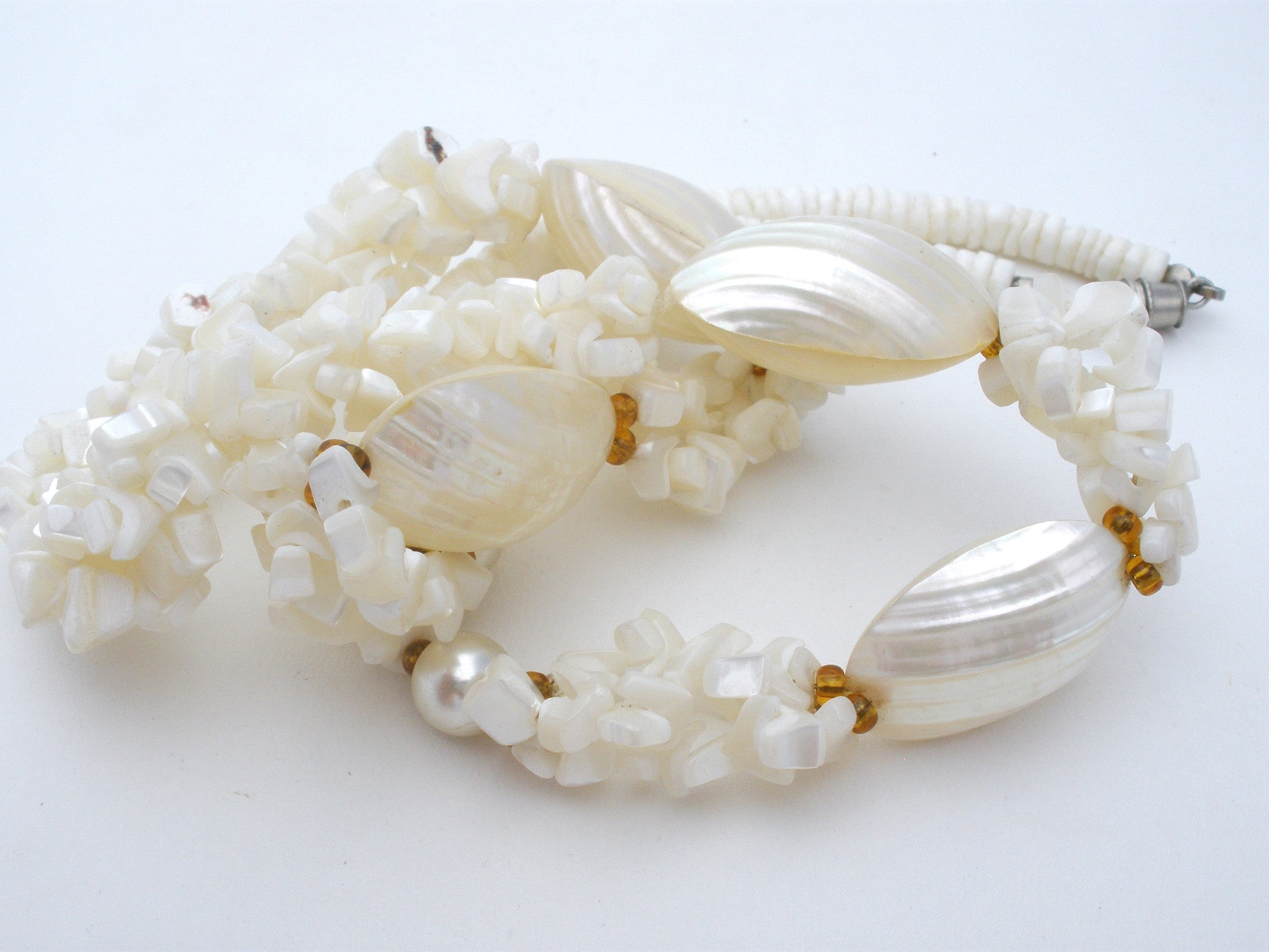 Pucca Seashell And Mother Of Pearl Necklace Vintage The