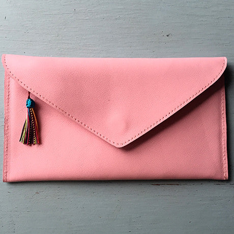 The Ella clutch: Pink Cuteness