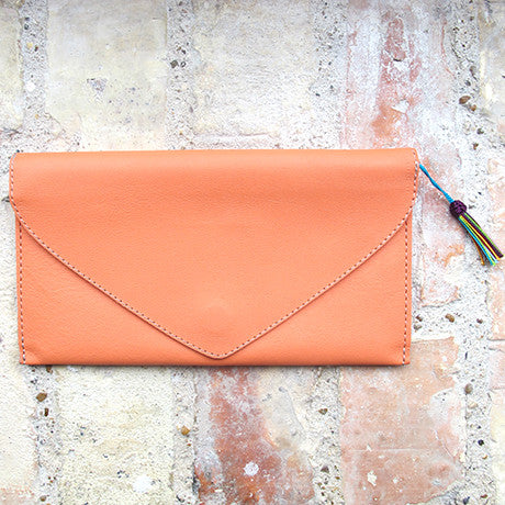 The Ella clutch: By the river -