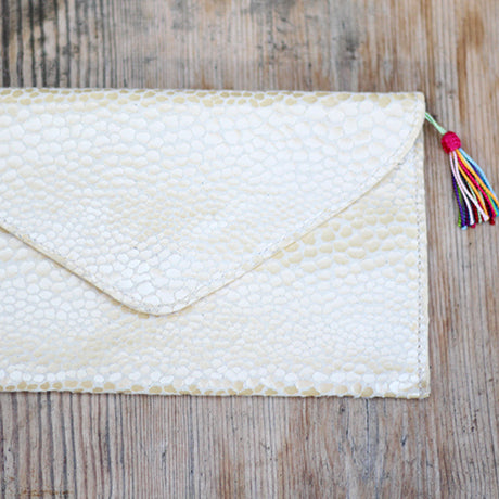 The Ella clutch: Champagne!