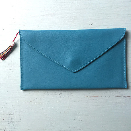 The Ella clutch: Turquoise Fancy! -