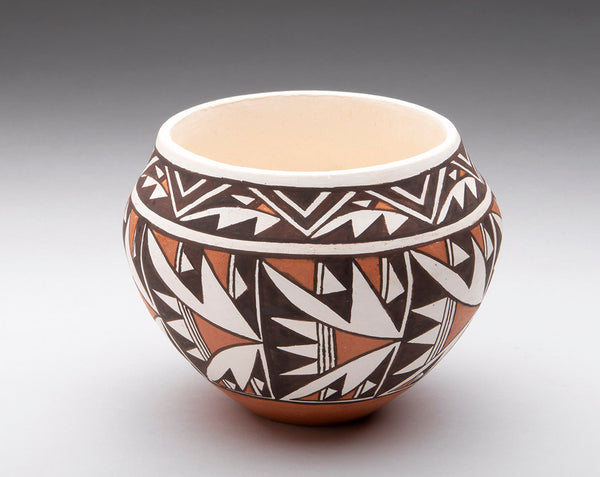 Extraordinary Natural Clay Pottery