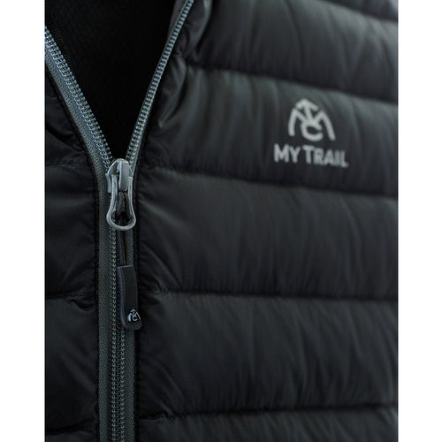 Front zipper with internal storm flap