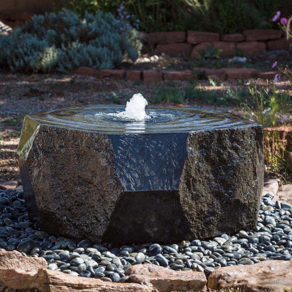 Outdoor fountain: marubachi fountain