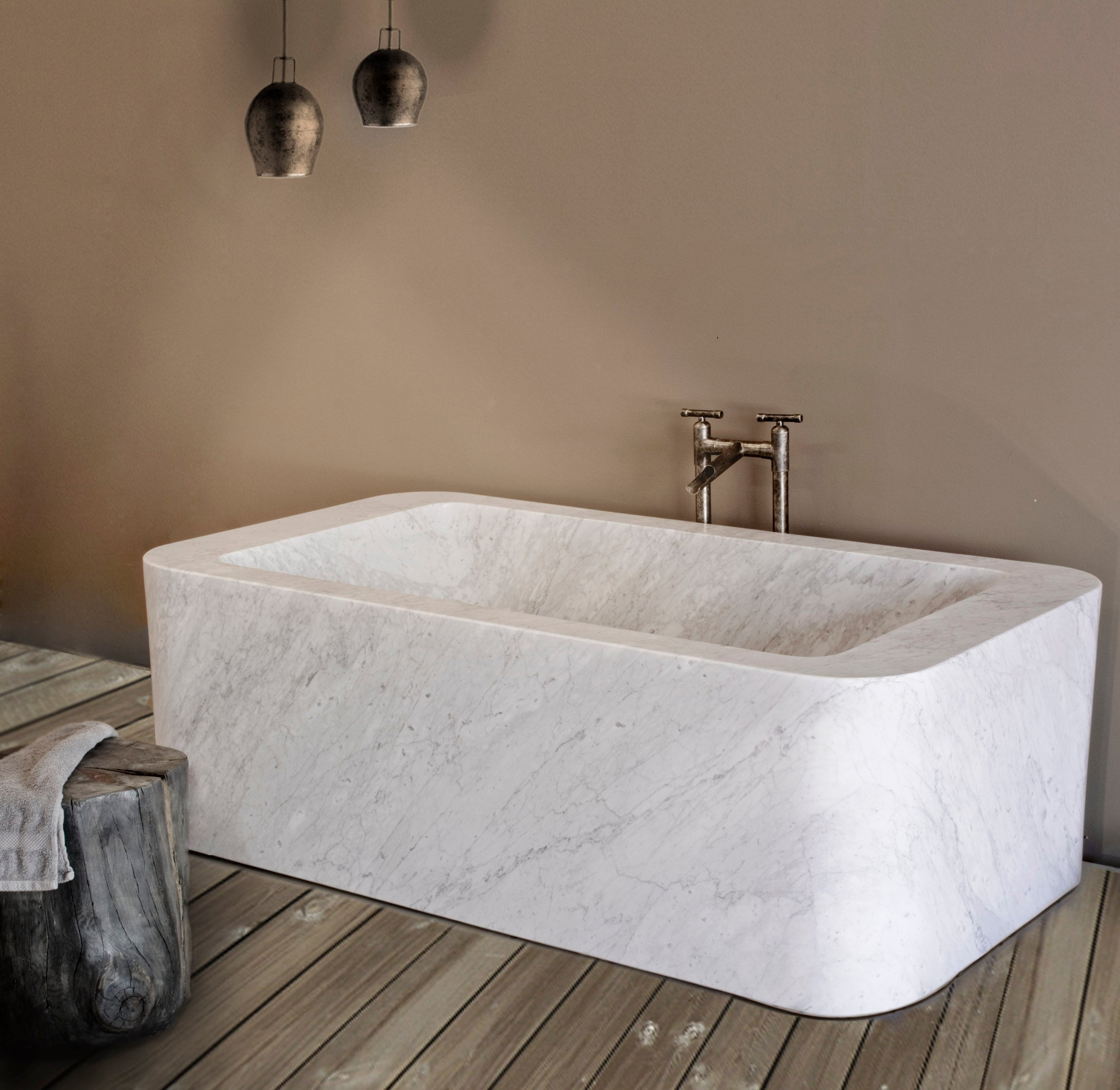 One of a Kind Bathtubs – Stone Forest