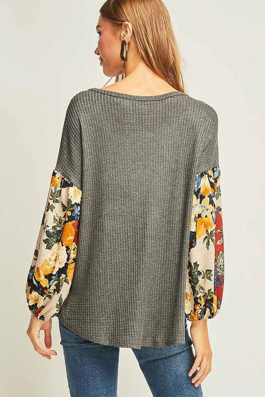 Charcoal and Floral Waffle Knit Top - THE WEARHOUSE