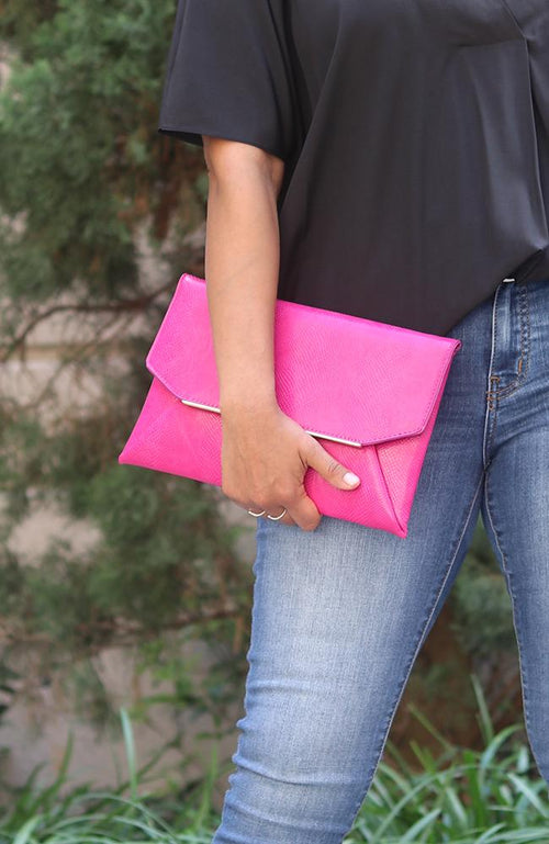 Magenta Summer Clutch - THE WEARHOUSE