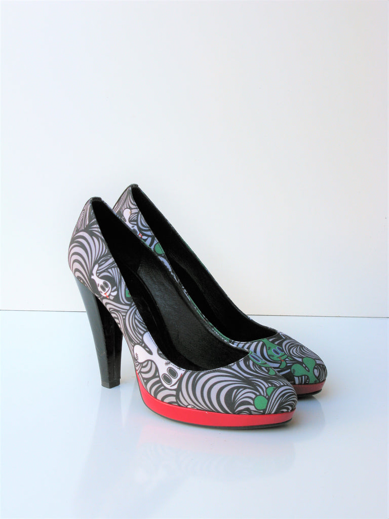Goblin Graffiti Platform Pumps by Nue' 39 / 9