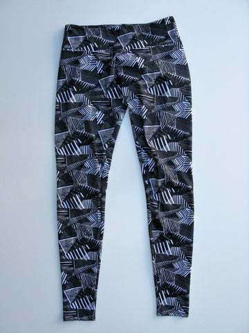 Onzie Black/White Triangles Long Leggings S/M