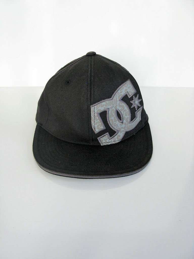 Baseball Cap Flat Bill DC Shorts Flexfit Cap Hat S/M