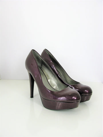 G by Guess Aubergine VAB II Patent Platform Pumps 8.5
