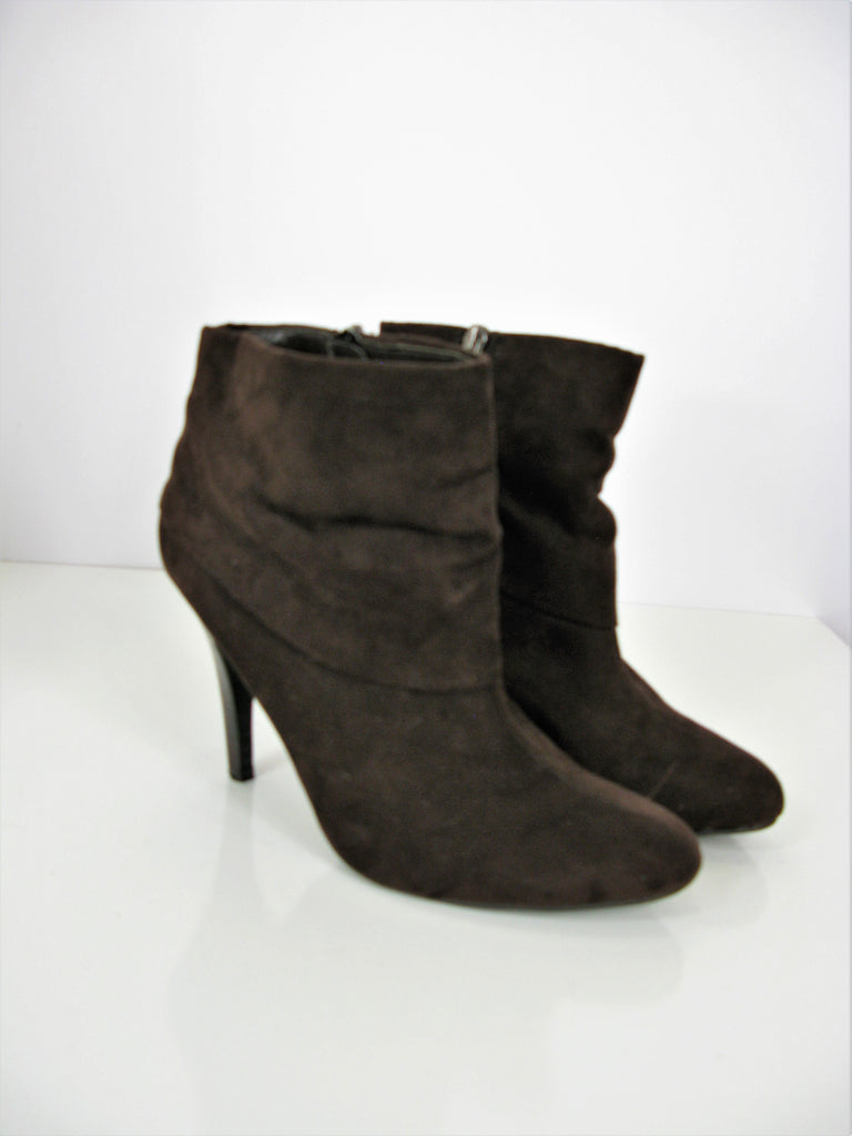 Marc Fisher Vallay 4 Cuffed Micro Suede Ankle Boot 7