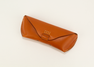 leather glasses case - light brown