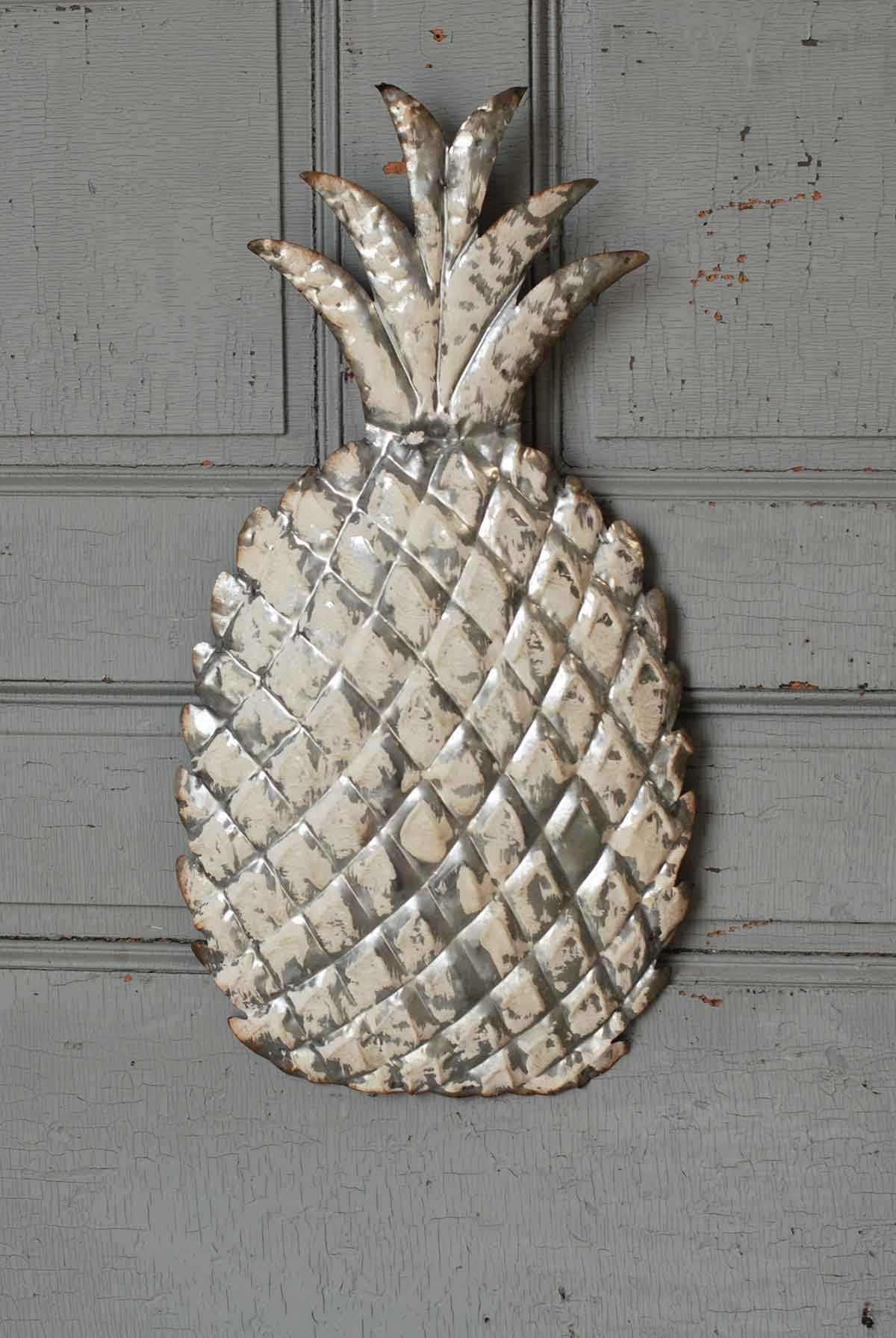 Whitewash Metal Pineapple