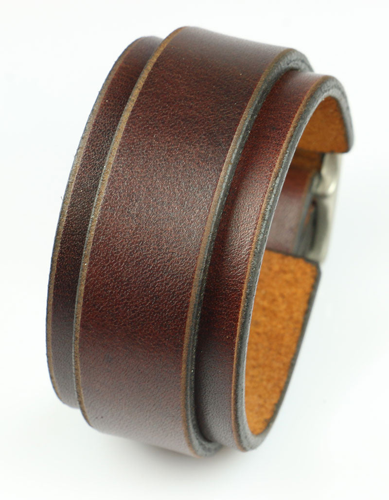 Brown Narrow Buckling Bracelet