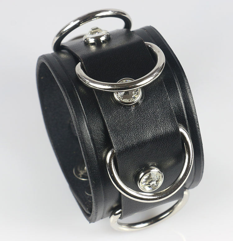 D-Ring leather wrist cuff