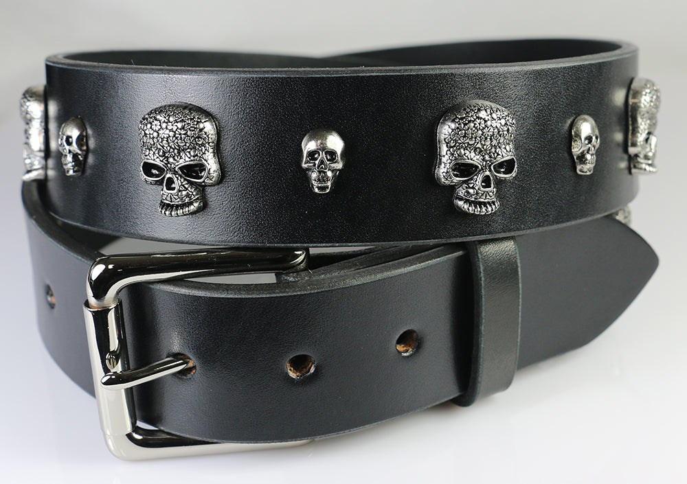 Black leather belt with just skull studs