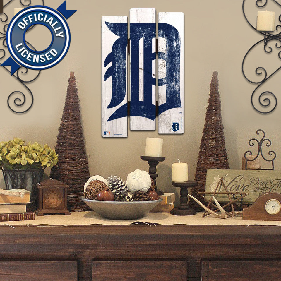 Officially Licensed Detroit Tigers Wood Fence Sign