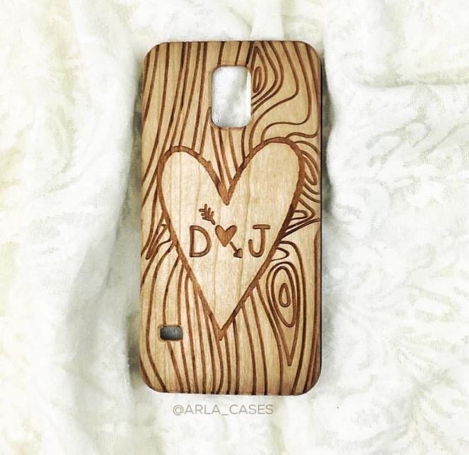 Initials Carved in a Tree - Couples Heart Phone Case
