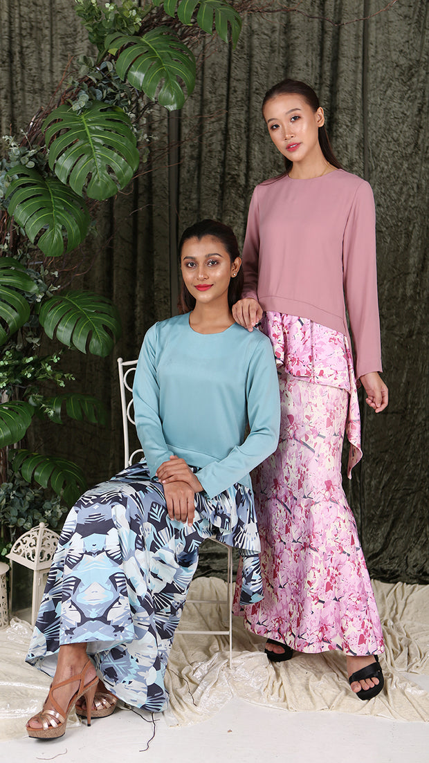 ADELFA KURUNG in Blue