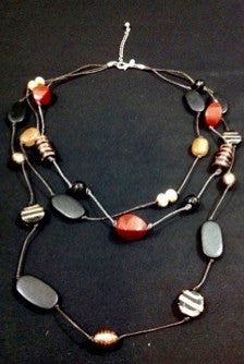 Chico stone necklace