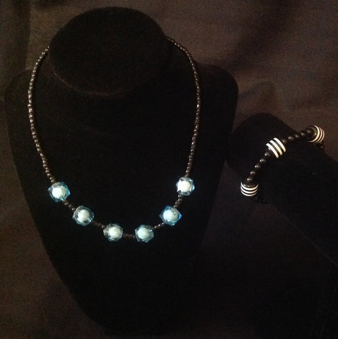 Frozen Bliss Necklace Set