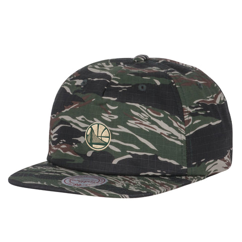 Mitchell-and-Ness-Tiger-Camo-Tennis-Clipback-Golden-State-Warriors-1