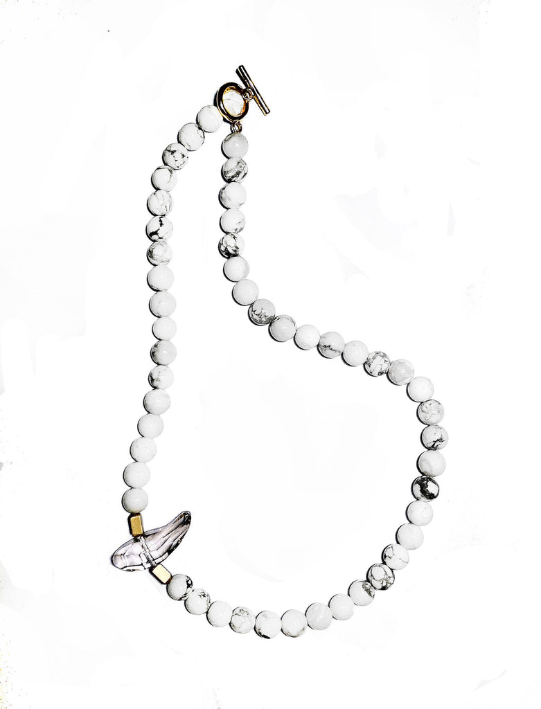 WHITE HOWLITE NECKLACE WITH CRYSTAL ELEMENT