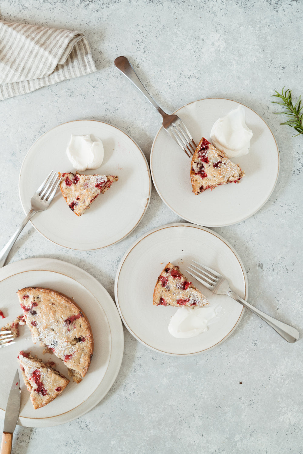 The Perfect Holiday Dessert: Easy Skillet Cranberry Cake