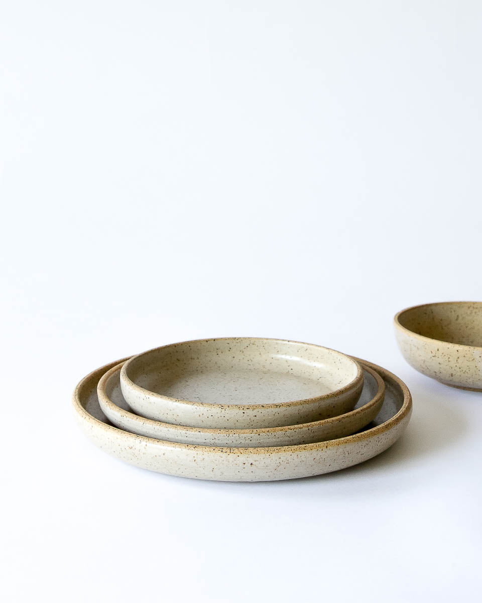Mira Dinnerware in Speckle