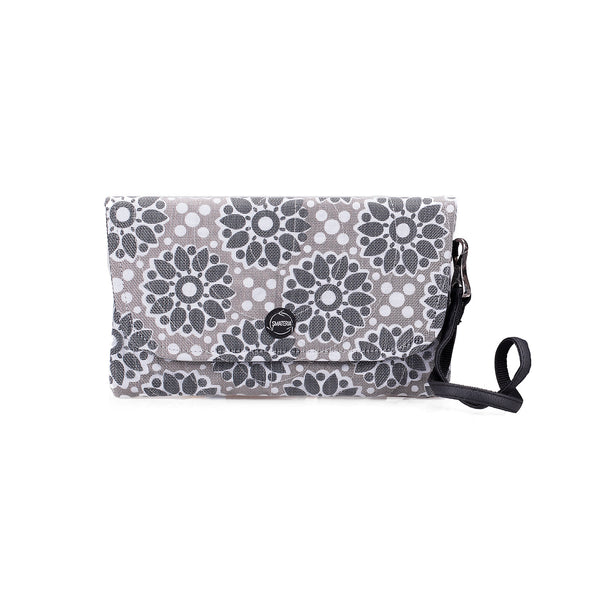 Echo Clutch - Graceful Grey