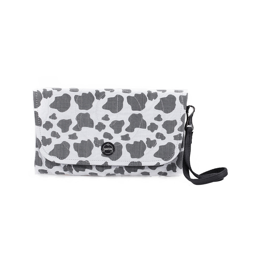 Echo Clutch - Black & White
