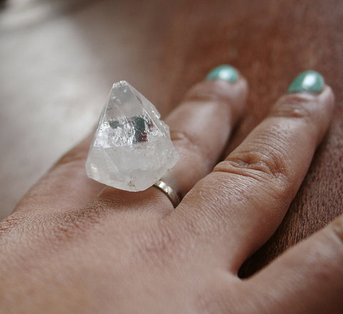 EAVIE raw Apophyllite pyramidal quartz ring silver plated
