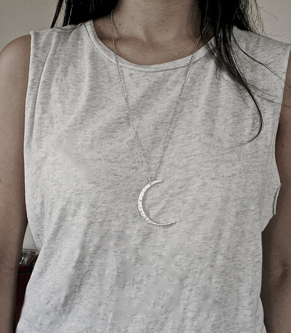 moon necklace // crescent necklace // moon pendant // layering necklace // boho necklace // boho jewellery // luna // celestial // night