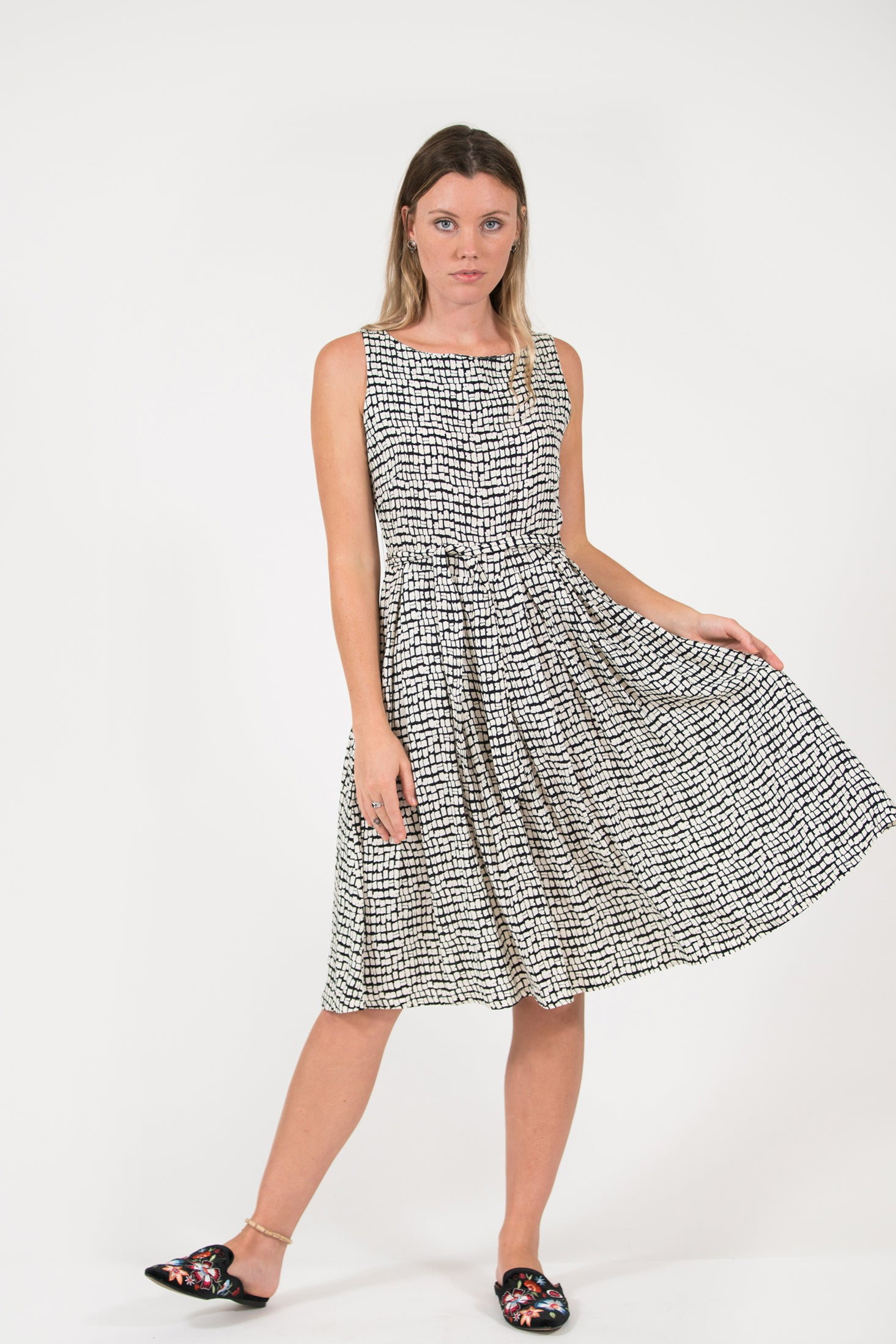 printed Isabella dress classic vintage style pleated skirt fitted waist flattering