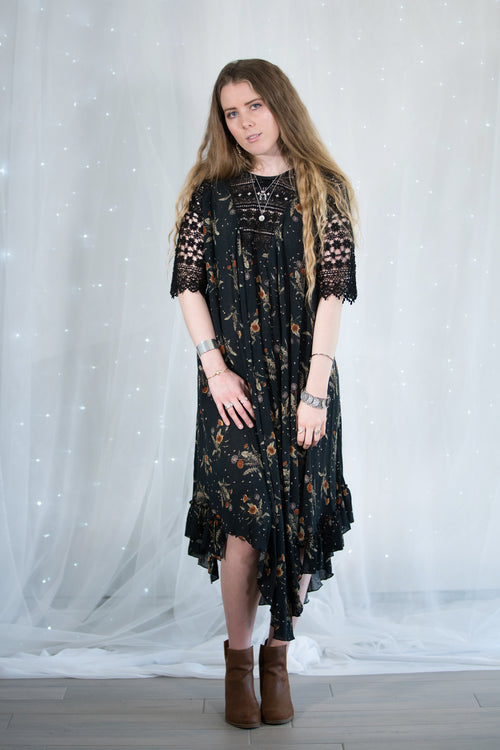printed dress with full skirt lace sleeves, reversible style