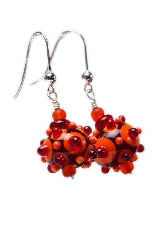 Dot earrings - red