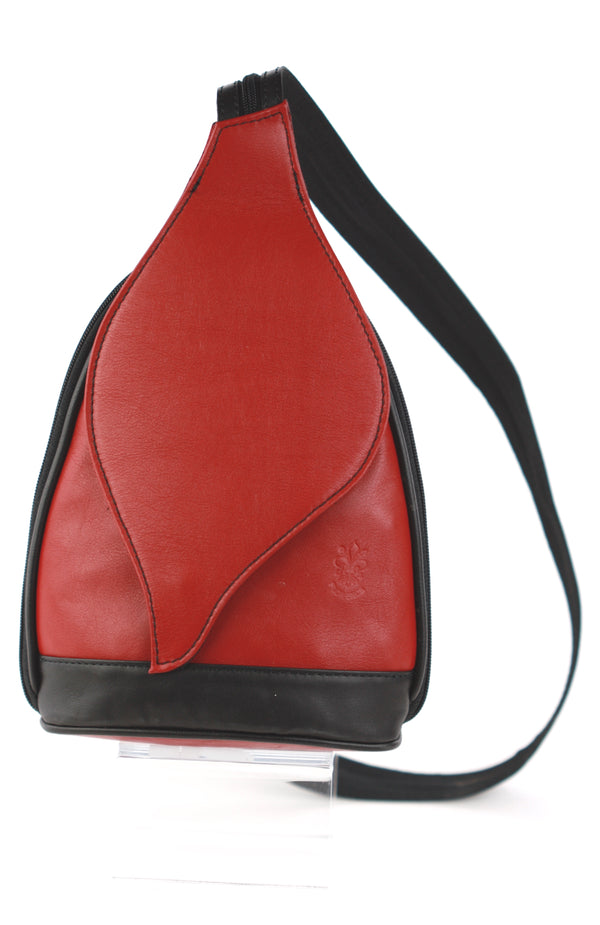 Foglia backpack in red with black contrast