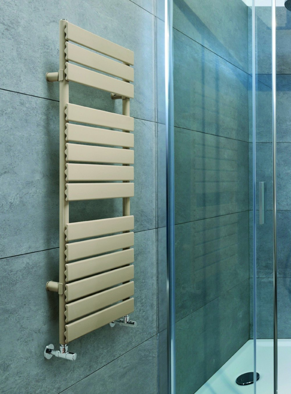 DQ Tornado Towel Radiator, Low prices, Free UK delivery – Great Rads ...