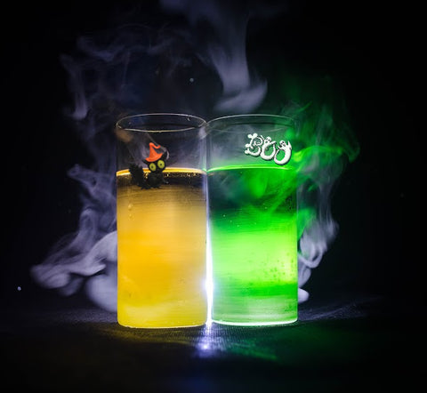 Scary-licious Halloween Cocktails That Will Delight Everyone by Simply Charmed