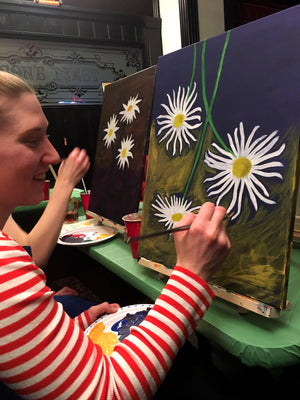 A new perspectives for painting daisies