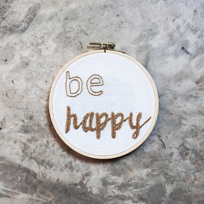 Numero 74 broderingssett, Hoop Kit - Be happy