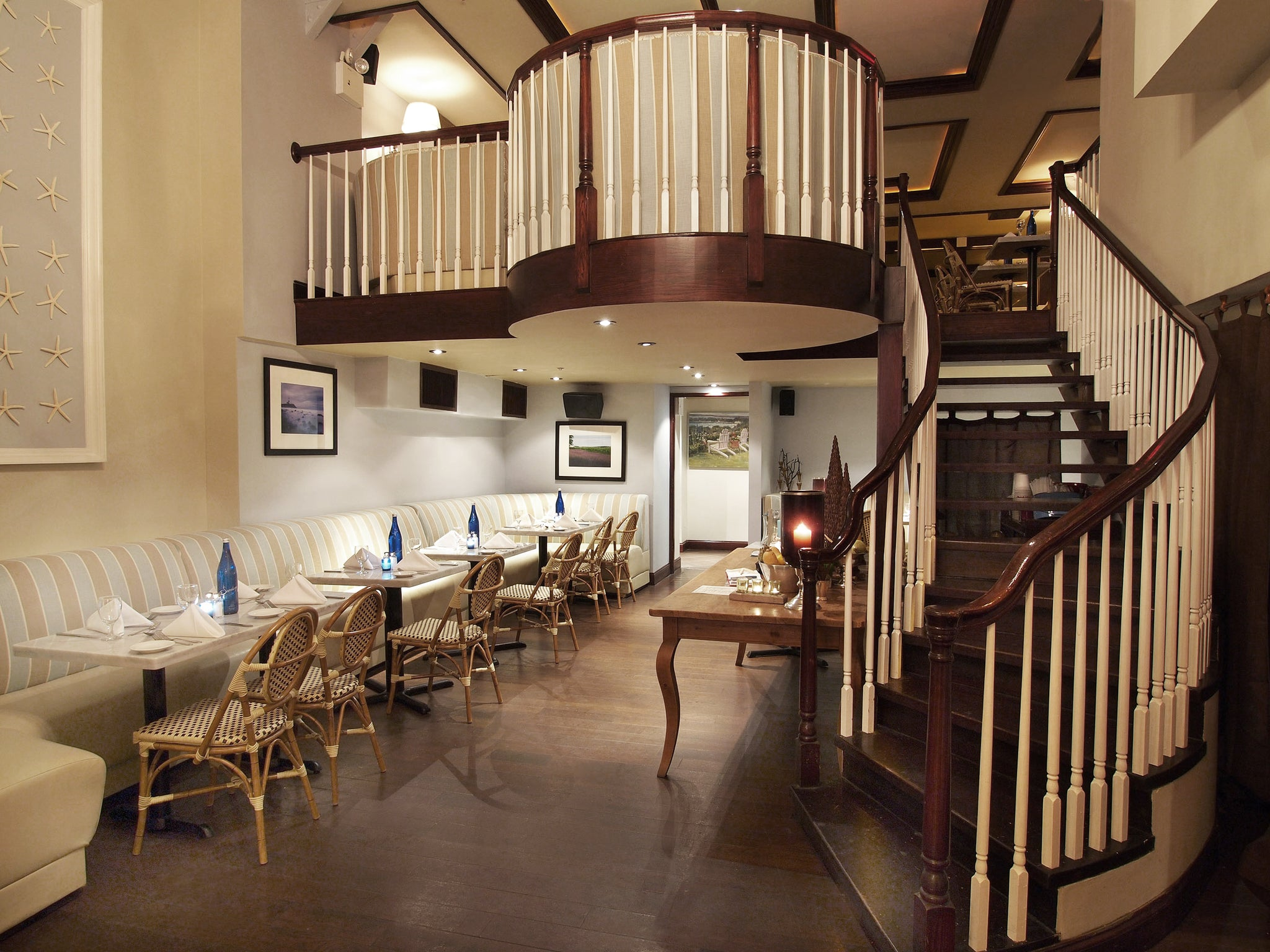 Ocean Blu Designs - Sagaponack Restaurant, NYC - New York Commercial Restaurant Interior Designers